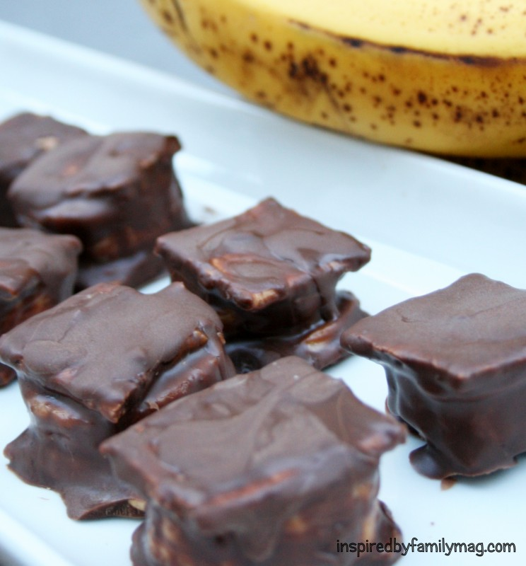 Chocolate Covered Frozen Peanut Butter Banana Mini Sandwiches ...