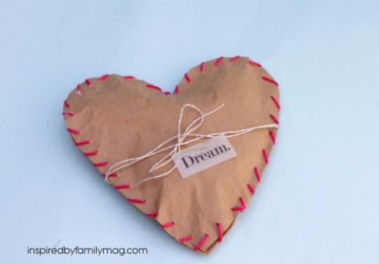 Heart paper bag favors