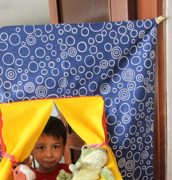 diy puppet show theater