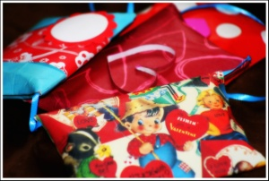 pillow boxes from toilet paper rolls, toilet paper roll craft, valentines day craft